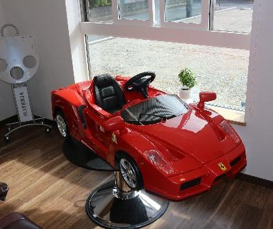 フェラーリ横1.jpg